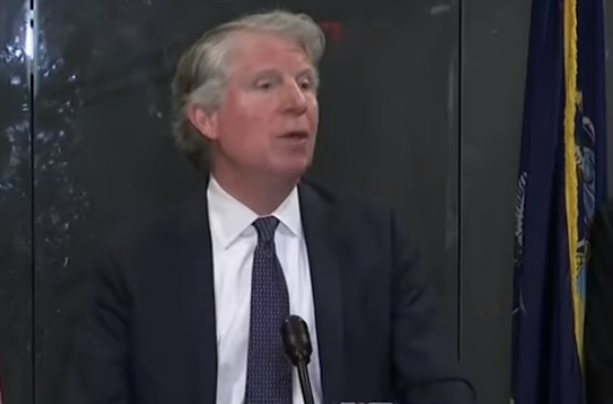Cyrus Vance will no longer prosecute prostitutes in NYC